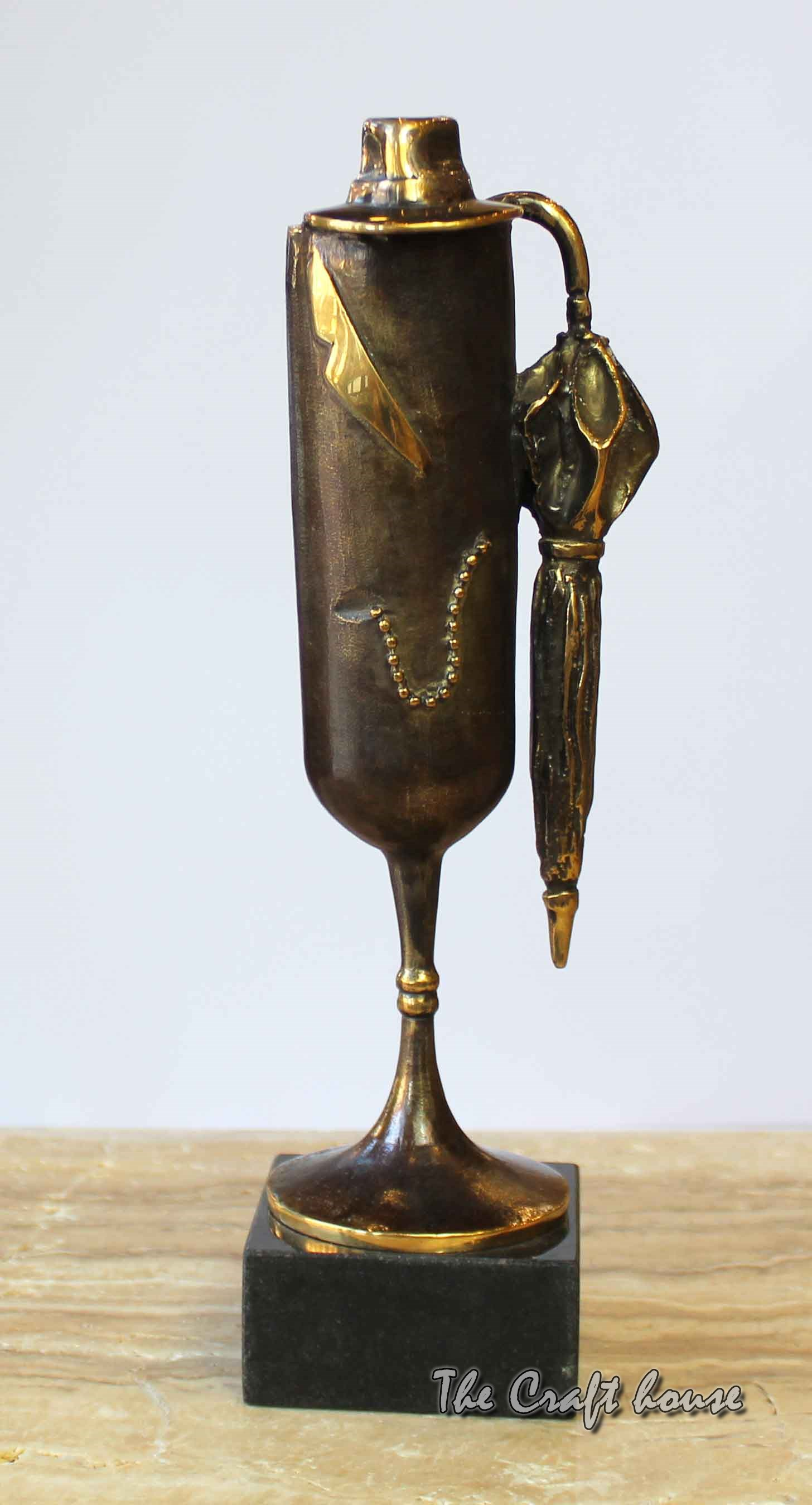 Bronze sculpture 'Guest'