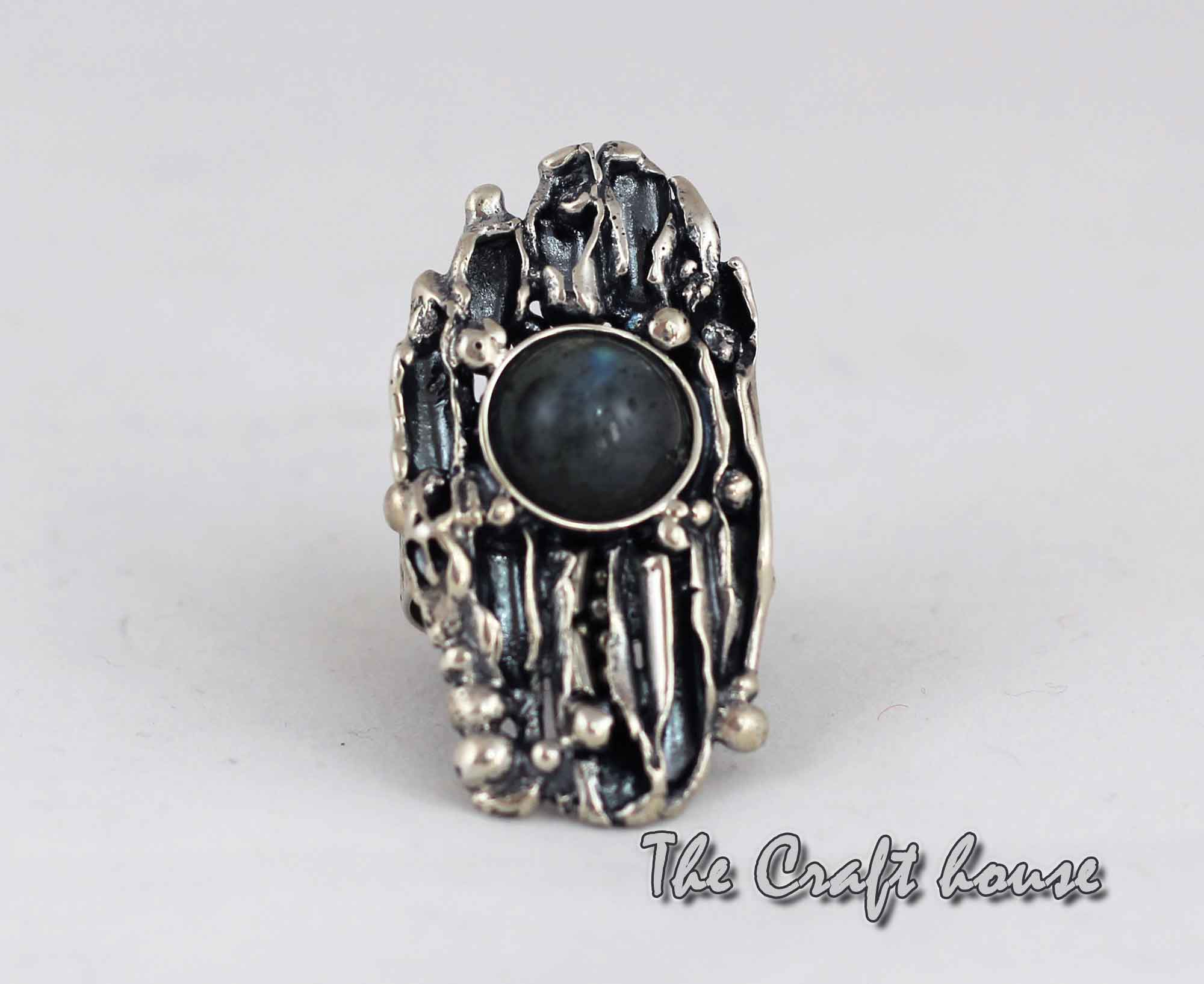 Silver ring with Labradorite