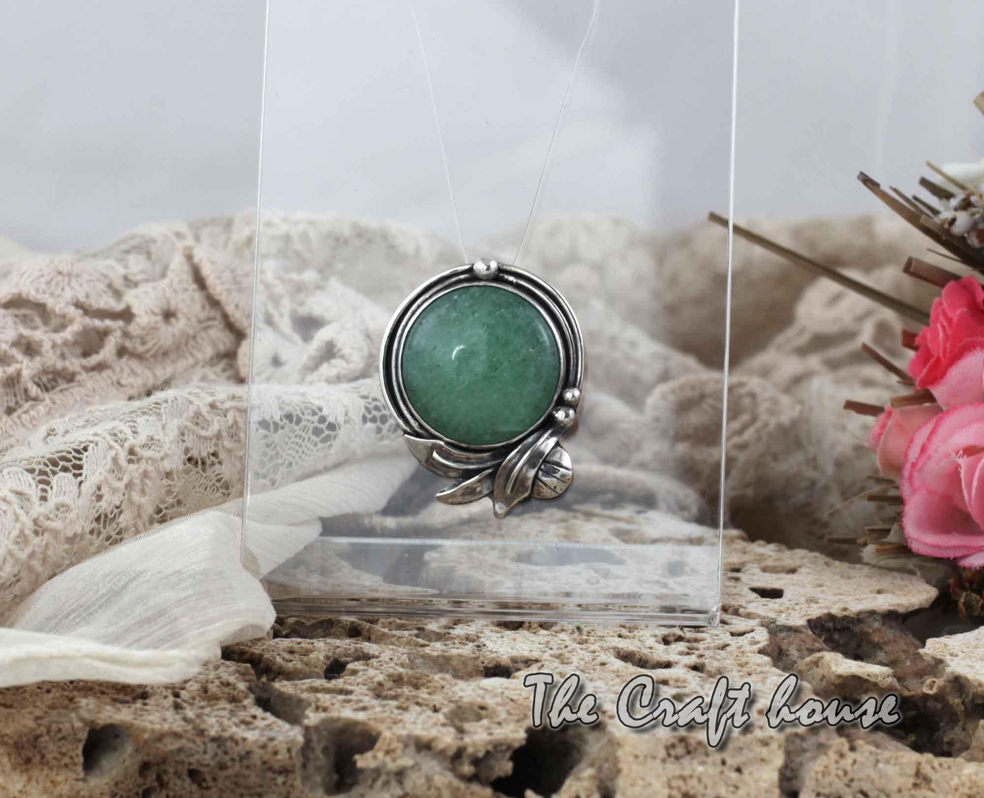 Silver pendant with Aventurine