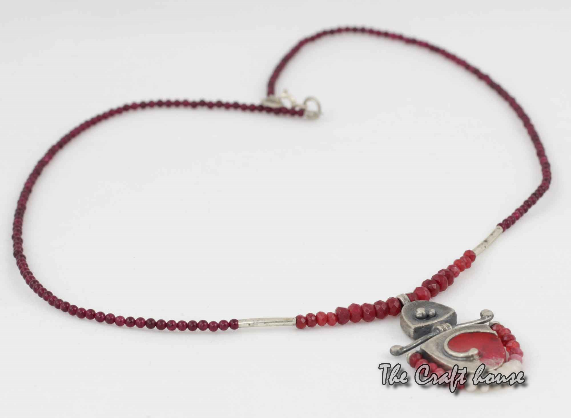 Silver necklace with Garnet and beads