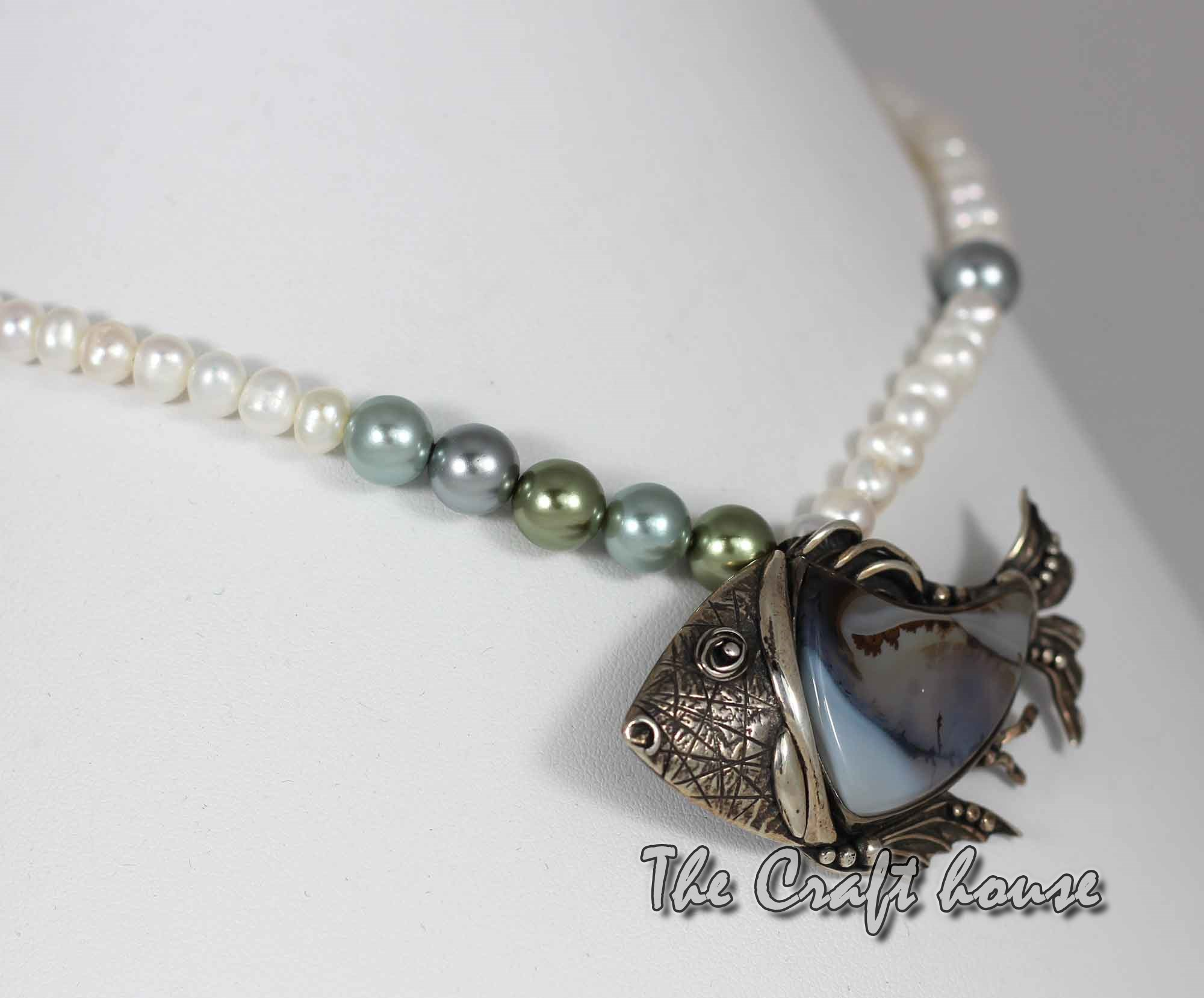 Silver necklace with Agate and pearls