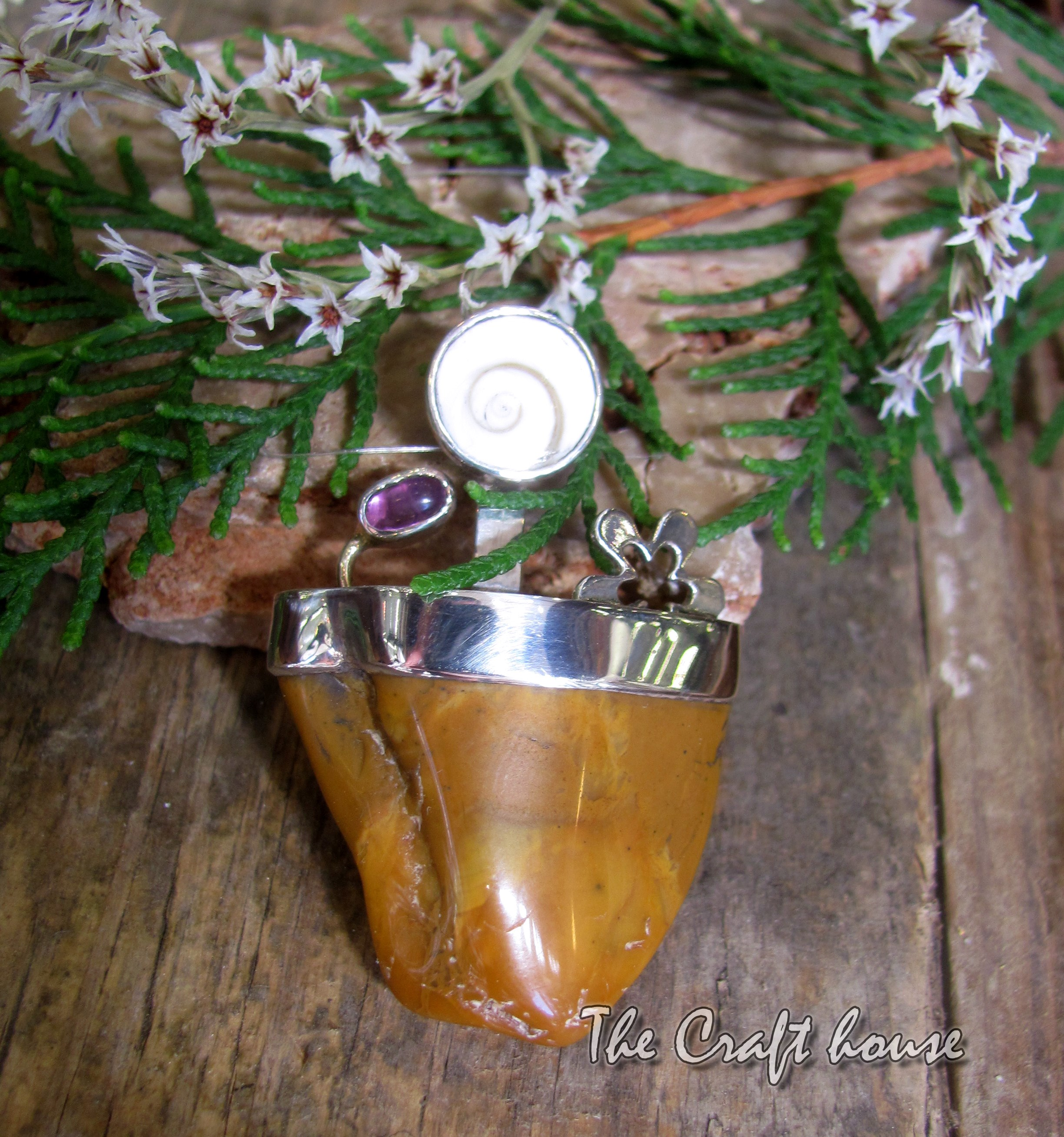Silver pendant with Agate and Amethyst