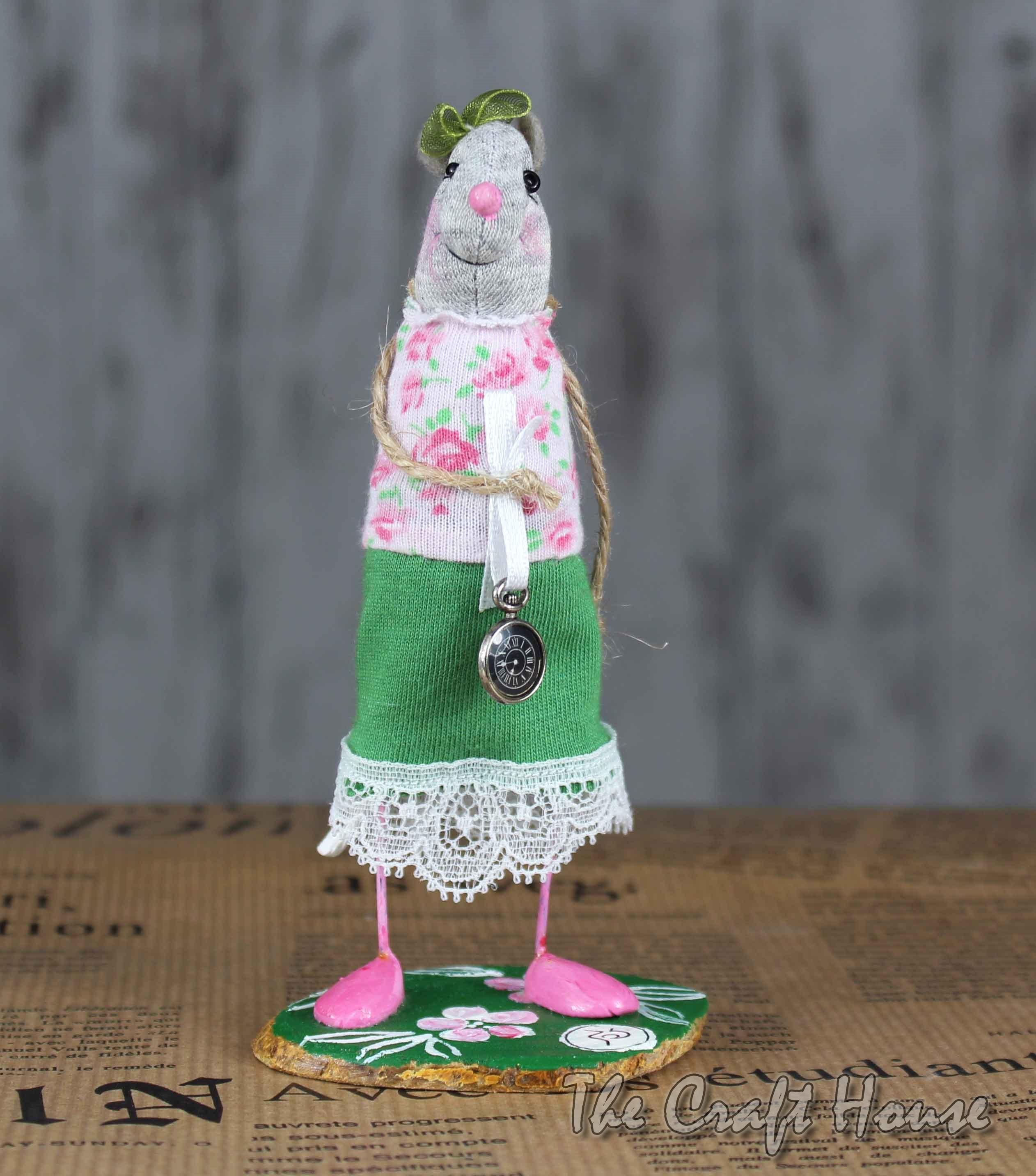 Текстилна мишка с часовник