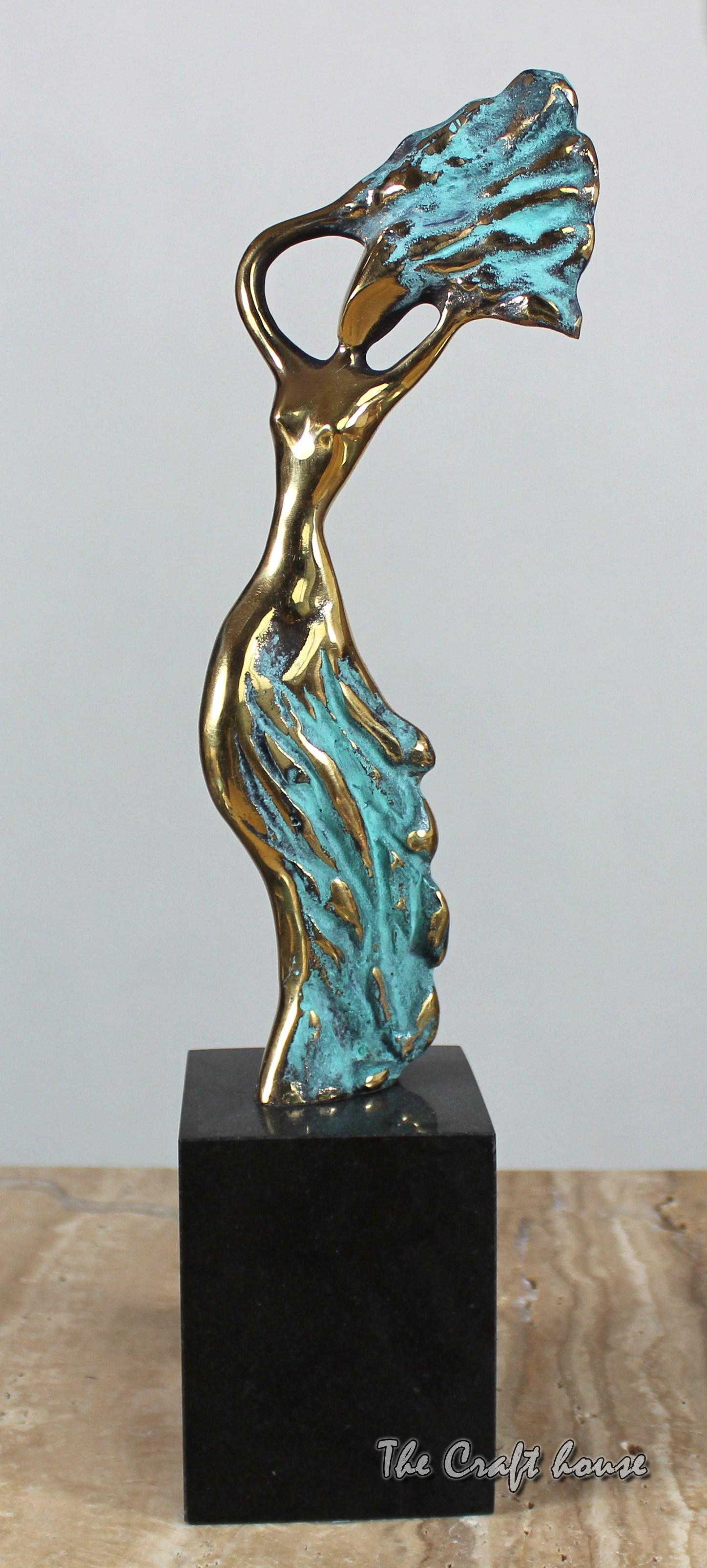 Bronze sculpture 'Winds'