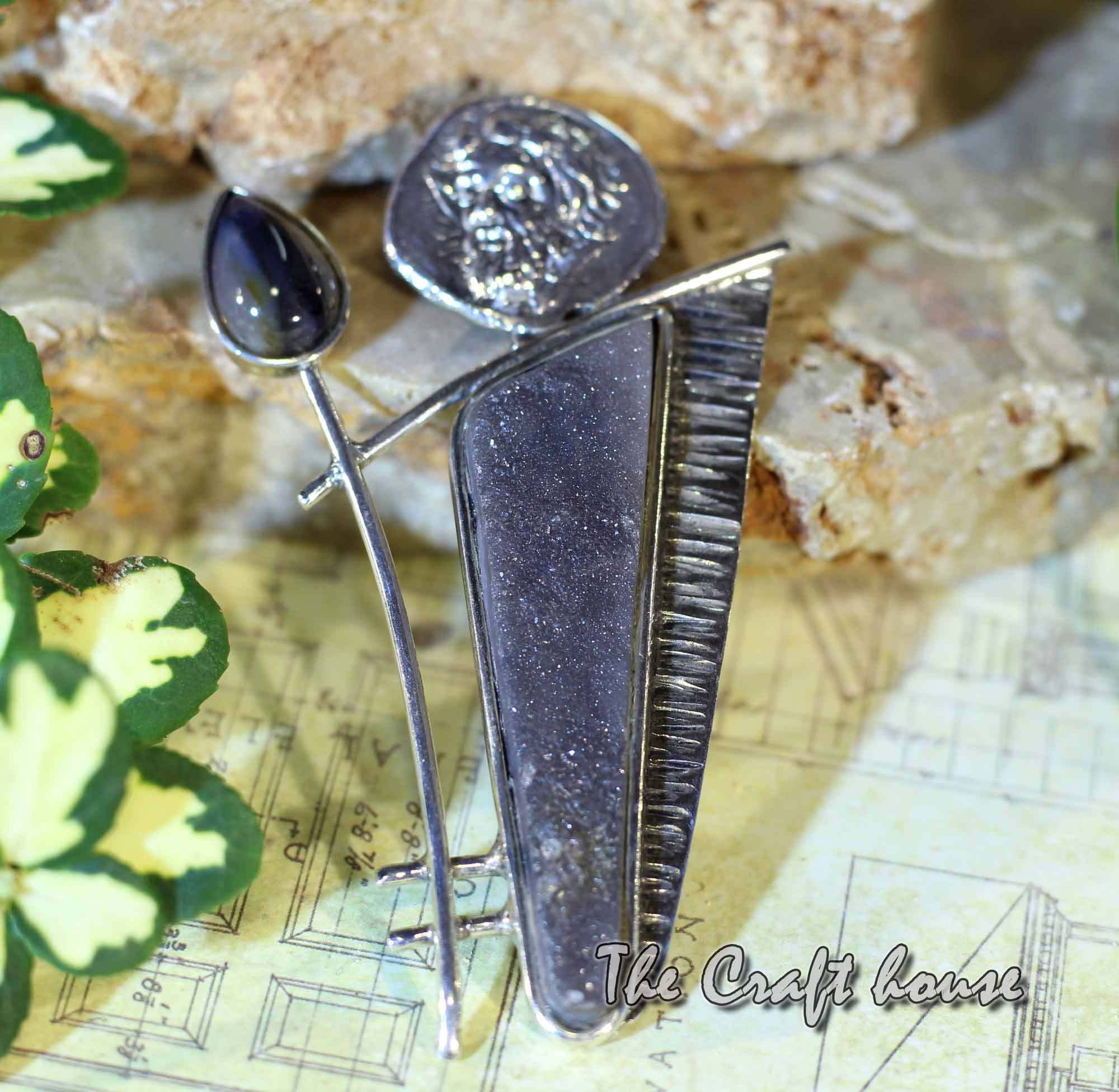 Silver pendant with druse