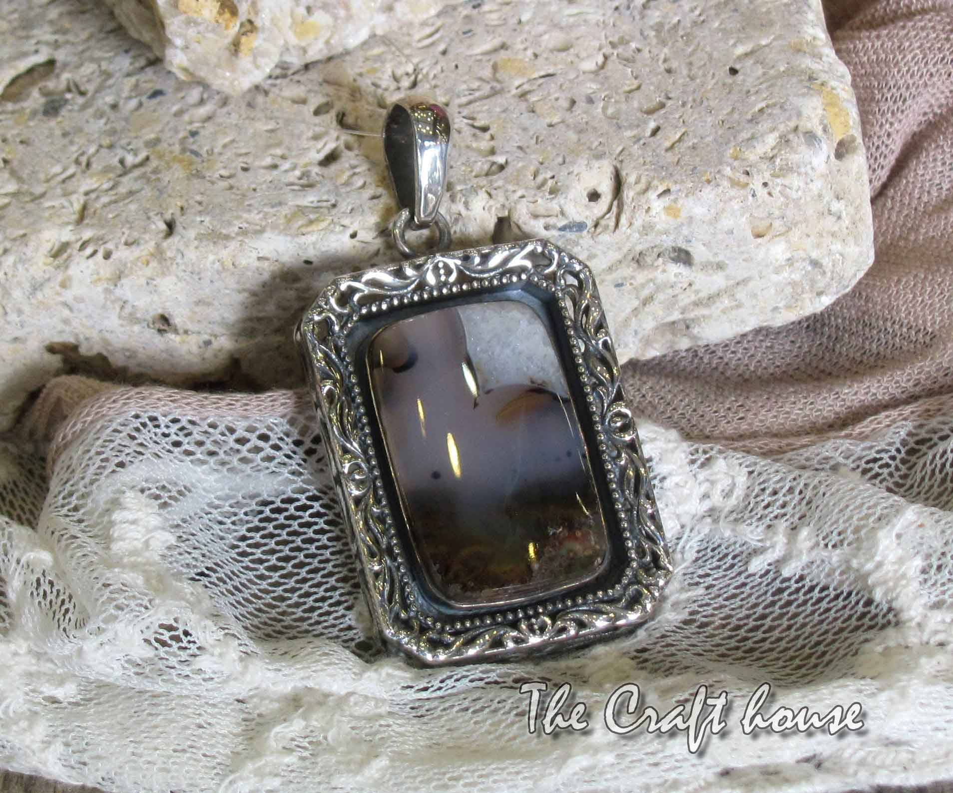 Silver pendant with Landscape agate