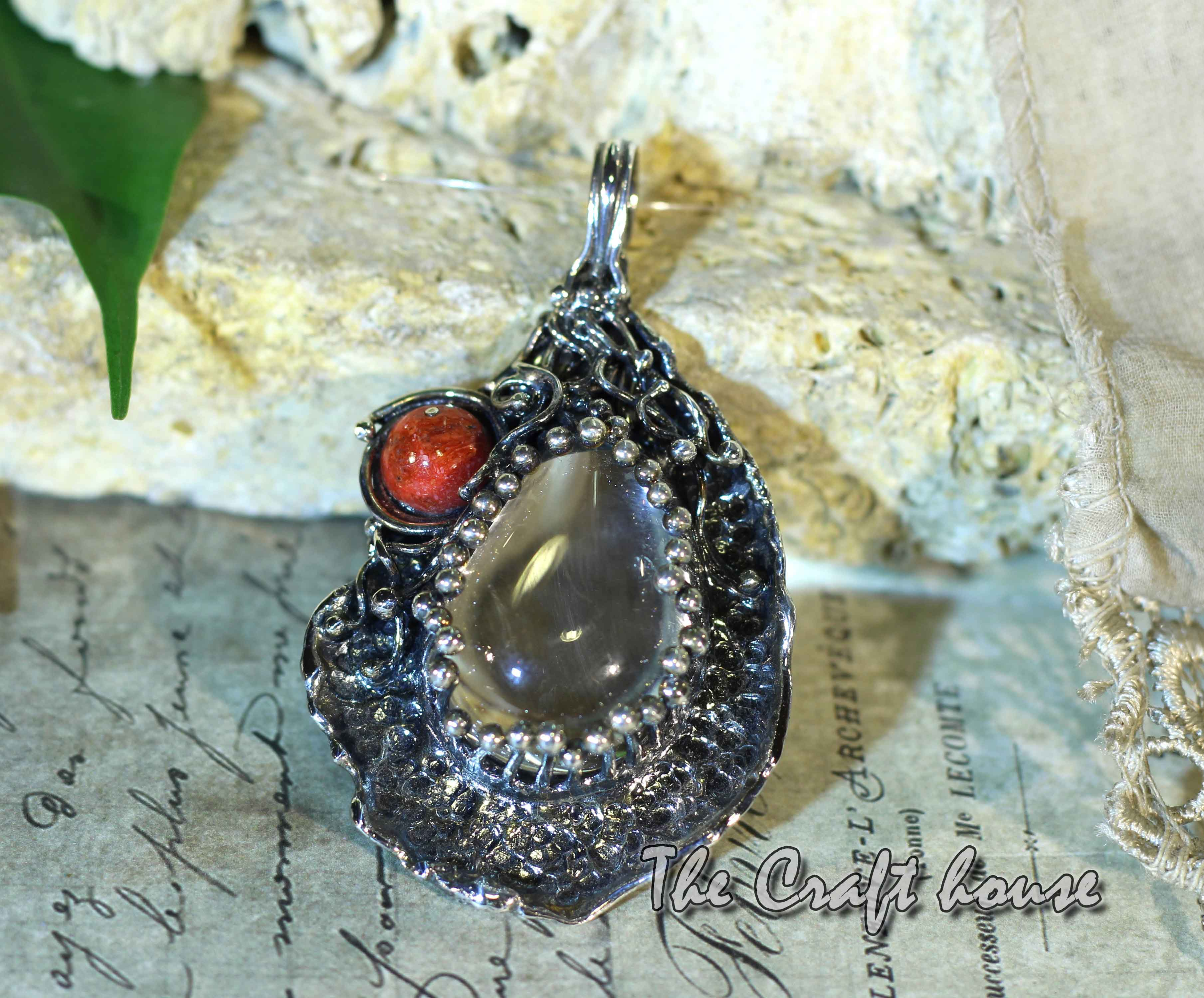 Silver pendant with Rock crystal & Coral