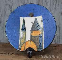 Ceramic fruit bowl with decoration
