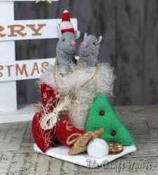 Коледни мишки в чувалче