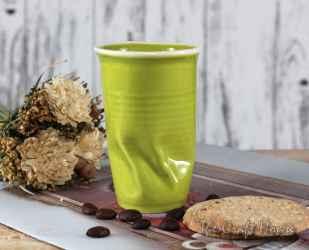 Смачкана порцеланова чаша