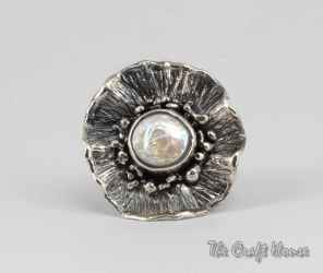 Silver ring with Pearl formation