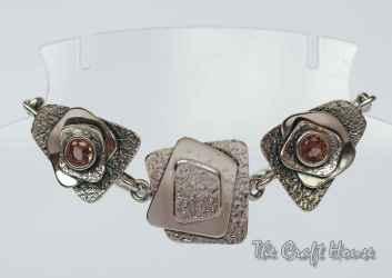 Silver bracelet with Zultanite
