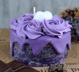 Fragrant candle 'Purple cake'
